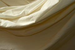 Gedrapeerde mousseline achtergronddoek dichte omhooggaand Stock Foto's