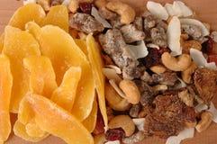 Gedroogd fruit en noten Stock Afbeelding
