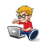 Geeky unge som Blogging Arkivbild