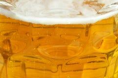 Geel bier met schuim Royalty-vrije Stock Fotografie