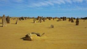Geel kalksteen bij Aap Mia stock footage