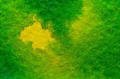 Geelgroene Waterverfachtergrond Stock Afbeeldingen