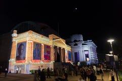 Geelong galeria reklamuje Archibald Nagrodzoną wystawę podczas Białej nocy Geelong fotografia stock