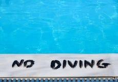 Geen Duik in de Pool Stock Foto
