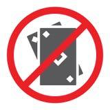 Geen het gokken glyph belemmerd en verboden pictogram, geen speelkaarten ondertekent, vectorafbeeldingen, een stevig patroon op e royalty-vrije illustratie