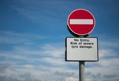 Geen ingangsteken met Engelse teksten Stock Foto's