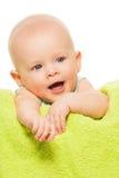 Geeuwende babyjongen Stock Foto's