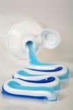 Gefäß der Zahnpasta Stockbild