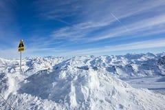 Gefährliche Gletscherspalten lizenzfreie stockfotos