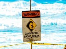 Gefährlicher Ufer-Bruch Stockfotografie