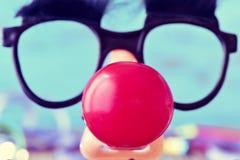 Gefälschte Gläser und Clownnase Stockbild