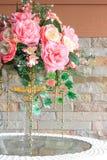 Gefälschte Rosen für Inneneinrichtung Stockbild
