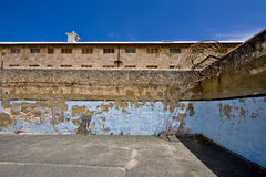 Gefängniswände stockbild