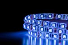 Geführte Neonbeleuchtung, blaue Farbe stockbild