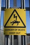 Gefahr des Elektroschockzeichens Stockfotos