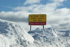 Gefahr im Schnee Stockbild
