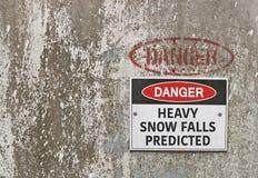 Gefahr, vorausgesagte Warnung der starken Schneefälle Fälle stockfotos