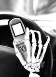 Gefahren von Texting und von Antreiben stockbild