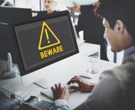 Gefahrenwachsamer warnender Mitteilung Beeware-Anzeigen-Ausruf C Lizenzfreie Stockfotos