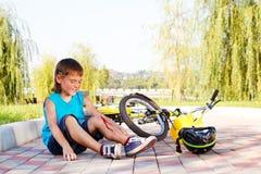 Gefallen weg vom Fahrrad lizenzfreie stockfotos