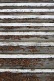 Gefallene Blätter und alte Treppe lizenzfreie stockfotografie