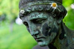 Gefallener Angel Statue Stockbild