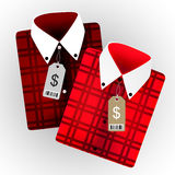 Gefaltete Hemden mit Marken Stockfoto