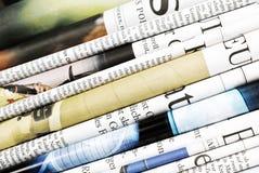 Gefaltete Zeitungen lizenzfreies stockbild