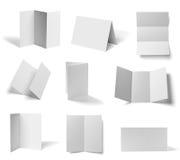 Gefaltetes Schablonenbuch des leeren Papiers der Broschüre weißes Stockbild