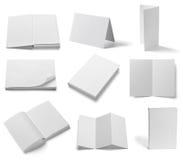 Gefaltetes Schablonenbuch des leeren Papiers der Broschüre weißes Stockbilder