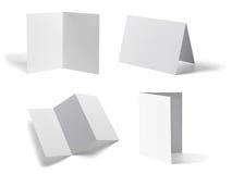 Gefaltetes Schablonenbuch des leeren Papiers der Broschüre weißes Stockfoto