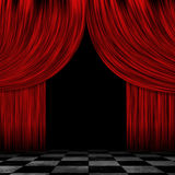 Geöffnete rote Vorhänge Stockbild