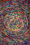 Geflochtes Muster von den farbigen Threads Lizenzfreies Stockbild