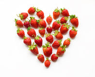 Geformte Erdbeere des roten Herzens (Wunschkarte, Valentinsgruß, am 14. Februar, Stockfotografie