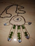 geformte perlenbesetzte Halskette der Tatze lizenzfreies stockbild