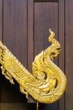 Geformte Skulptur traditionellen Nord-Thailand-Art Naga lizenzfreies stockbild