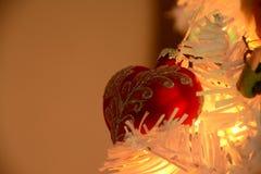 Geformte Verzierung des roten Herzens Weihnachts Stockfotos
