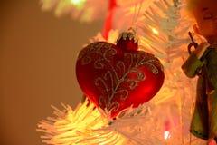 Geformte Verzierung des roten Herzens Weihnachts Stockfotografie