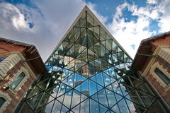 Geformtes Gebäude des modernen Wals Stockbild