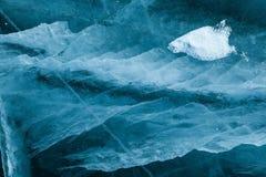 Gefrieren Sie Beschaffenheit unter gefrorener Oberfläche von Baikal See, Sibirien, Russland Lizenzfreie Stockfotografie