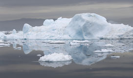 Gefriert und Eisberge von Polarregionen von Erde Stockbild