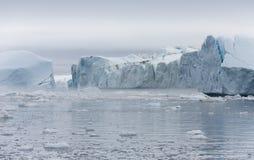 Gefriert und Eisberge von Polarregionen von Erde Lizenzfreies Stockbild