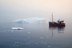Gefriert und Eisberge von Polarregionen von Erde Stockfotografie