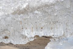 Gefrorene, eisige Ostseeküste 8 stockfotografie