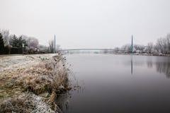 Gefrorene Natur durch Fluss Elbe-Celakovice, tschechischer Repräsentant Stockbild