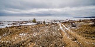 Gefrorene Winterszenen auf Great Lakes lizenzfreie stockfotografie