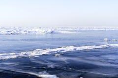 Gefrorener früher Wintermorgen Baikal Stockfoto