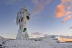 Gefrorener Leuchtturm auf Rugen Stockbild