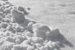 Gefrorener Schnee, weißer Computerhintergrund, abstrakte Naturbeschaffenheit stockfotos