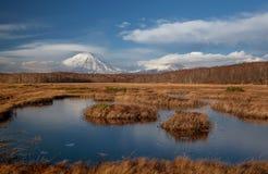 Gefrorener See ein Vulkan stockbilder
